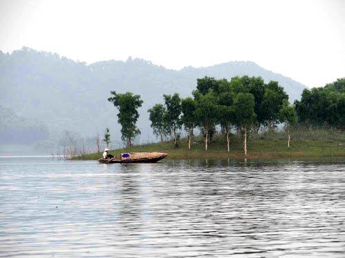 Bộ đàm Kinh Bắc giúp tăng cường an ninh khu du lịch Thác Bà , Yên Bái